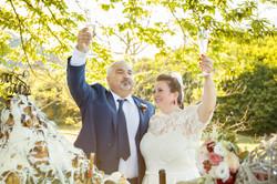caludia-e-francesco-matrimonio-toscana-brindisi-in-esterna