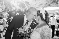 caludia-e-francesco-matrimonio-toscana-sposi-bianco-e-nero