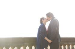 vanessa-e-massimiliano-servizio-fotografico-prematrimoniale-bacio-controluce