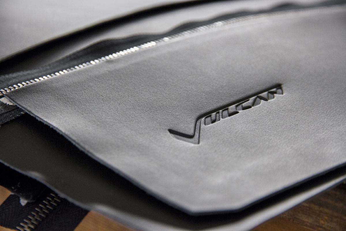 pelletteria-italia-dettagli-borse-accessori-marchio-a-caldo-vulcan