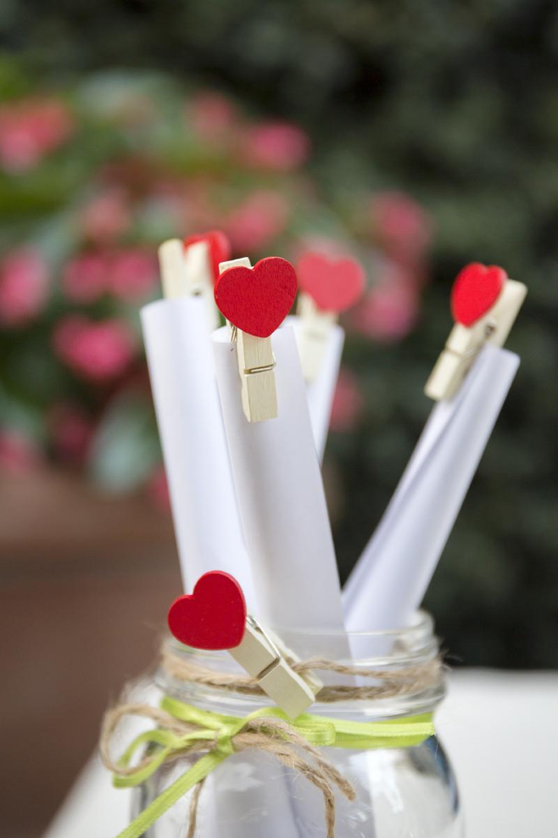 matrimonio-cristina-e-matteo-toscana-dettaglio-pergamene-cuori
