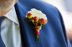 caludia-e-francesco-matrimonio-toscana-dettaglio-sposo
