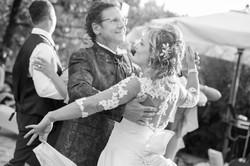 matrimonio-maura-e-giancarlo-castelfiorentino-toscana-ballo-bianco-e-nero