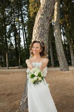 matrimonio-cristina-e-matteo-toscana-ritratto-sposa-bosco