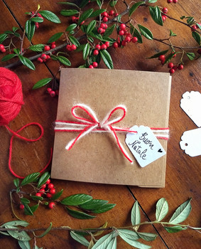 gift-voucher-christmas-packaging-service-f