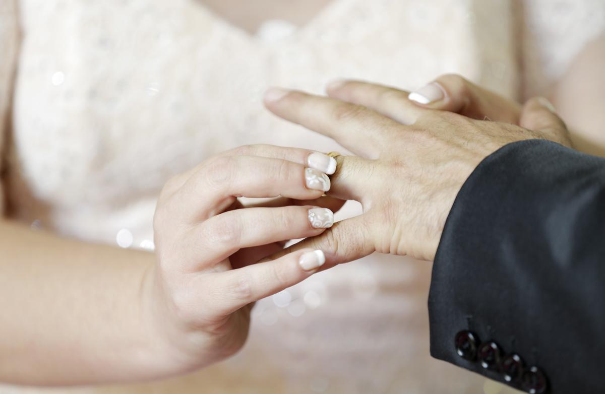 matrimonio-toscana-elena-e-sandro-toscana-comune-pelago-cerimonia-scambio-degli-anelli