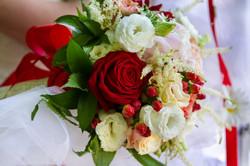 caludia-e-francesco-matrimonio-toscana-fiori-bouquet-sposa