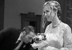 matrimonio-raffaella-e-vincenzo-sesto-fiorentino-firenze-bianco-e-nero-cerimonia-in-chiesa