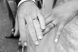 matrimonio-paulo-e-nichols-firenze-primavera-mani-sposi