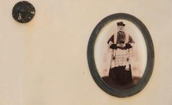 tomba-cimitero-fotografia-antica-parroco
