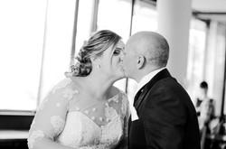 matrimonio-toscana-elena-e-sandro-toscana-comune-pelago-cerimonia-bacio