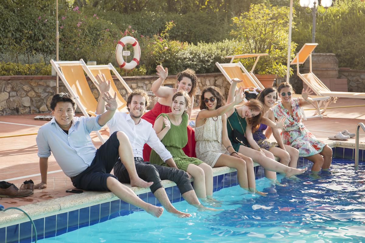 matrimonio-firenze-toscana-sala-rossa-palazzo-vecchio-martina-e-jacopo-festa-in-piscina