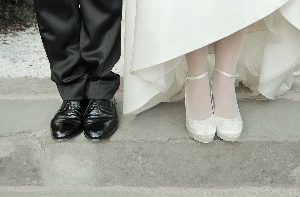 matrimonio-maura-e-giancarlo-castelfiorentino-toscana-scarpe-sposi