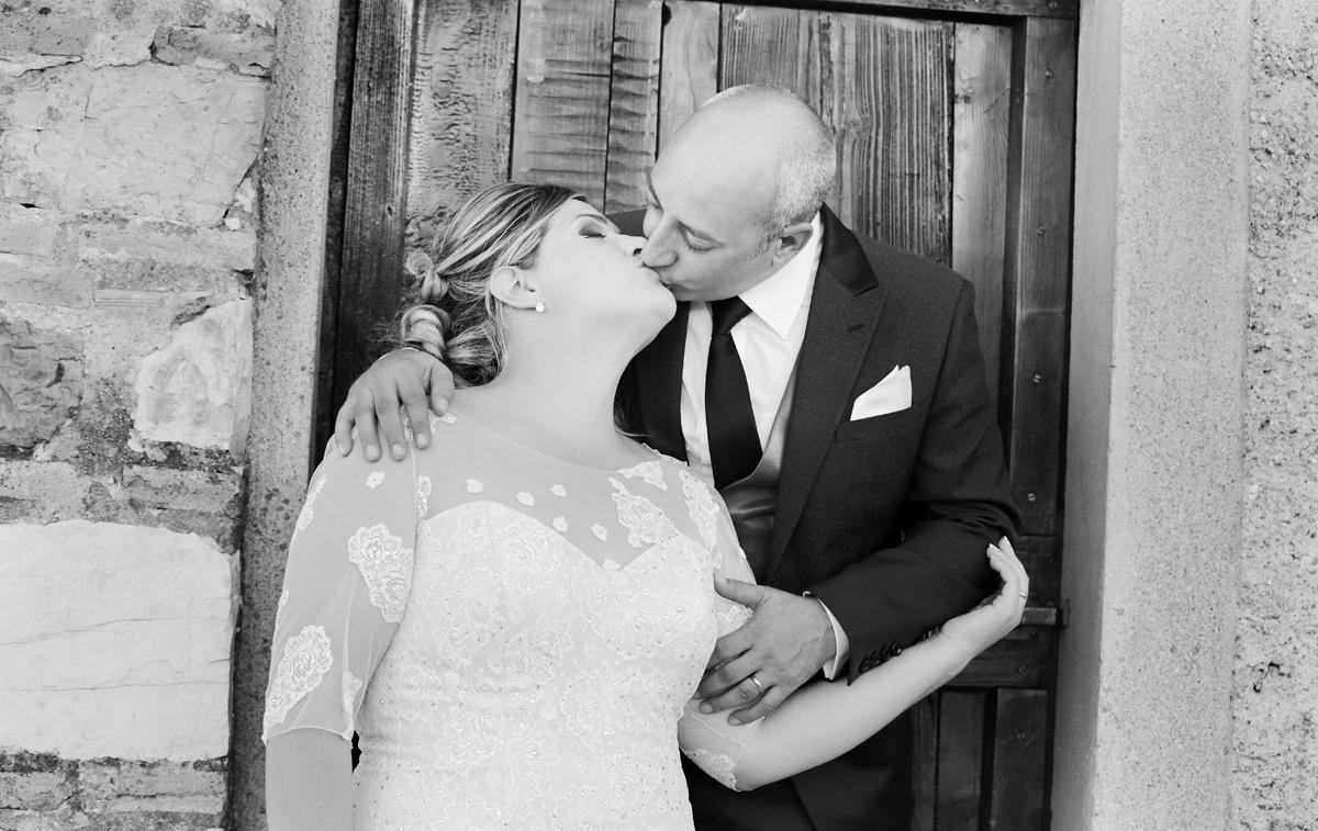 matrimonio-toscana-elena-e-sandro-toscana-pelago-porta-bacio