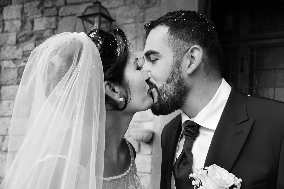 matrimonio-paulo-e-nichols-firenze-primavera-bacio-sposi