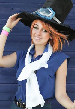 ritratto-cosplay-ragazza-in-costume