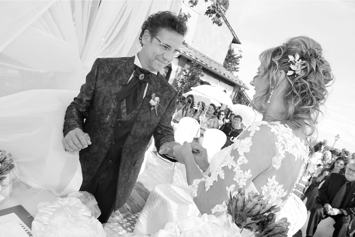 matrimonio-maura-e-giancarlo-castelfiorentino-toscana-scambio-fedi