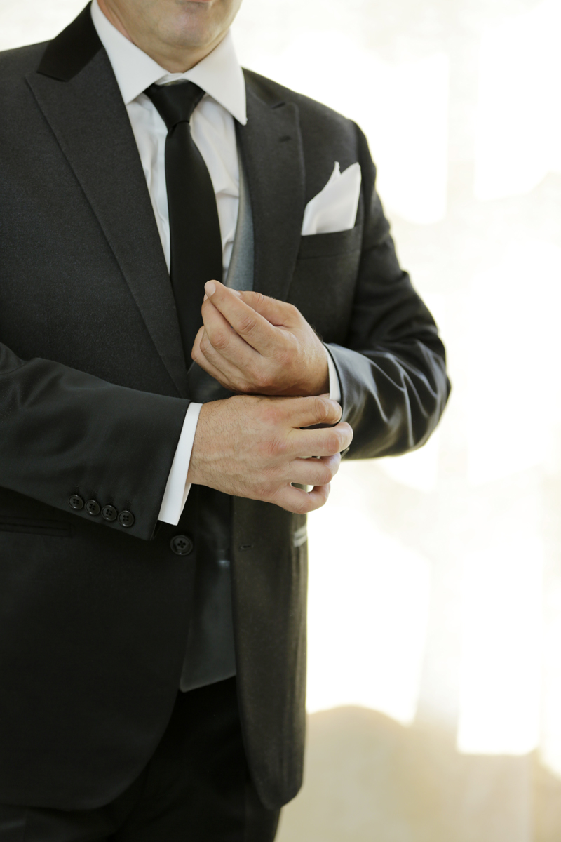 matrimonio-toscana-elena-e-sandro-toscana-pelago-preparazione-sposo