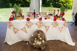 caludia-e-francesco-matrimonio-toscana-tavolo-sposi