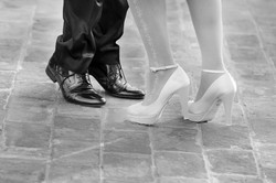matrimonio-maura-e-giancarlo-castelfiorentino-toscana-piedi-sposi