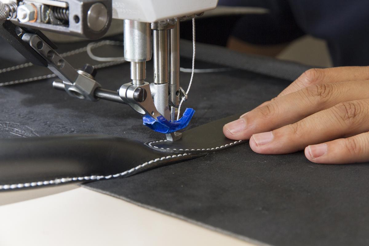 pelletteria-italia-dettagli-borse-accessori-lavorazione-cuciture
