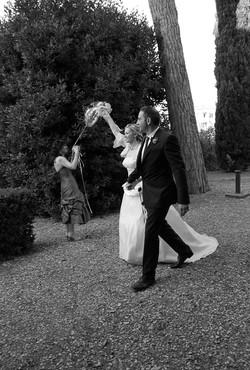matrimonio-raffaella-e-vincenzo-sesto-fiorentino-firenze-bianco-e-nero-arrivo-sposi