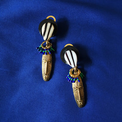 Boucles masques africains bronze
