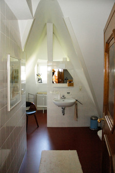 bathroom at second floor