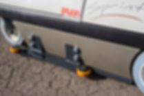 Nuevo sistema para pasillos de almacenes con guía lateral para no chocar, sistema de seguridad para instalar guías de chapa en laterales de pasillos, anchura mínima del pasillo 89cm