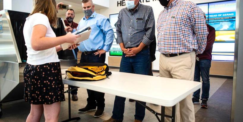 Senator Steve Daines visits Missoula to view new school sanitizing technology - KPAX