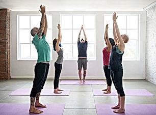 yoga-practica-ejercicio-clase-concepto_5