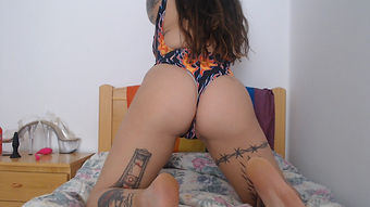 Webcamer Bad Gata TatToo Juegos Femdom