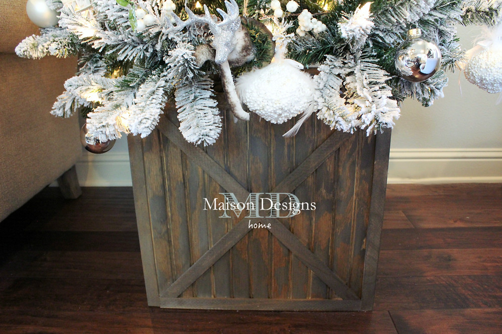 DIY Wooden Christmas Tree Crate