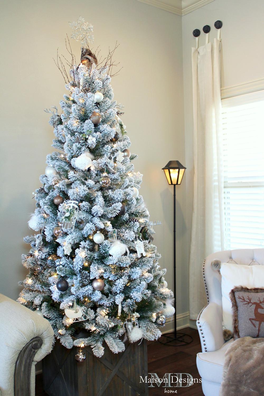 Narnia~Inspired Christmas lamp post