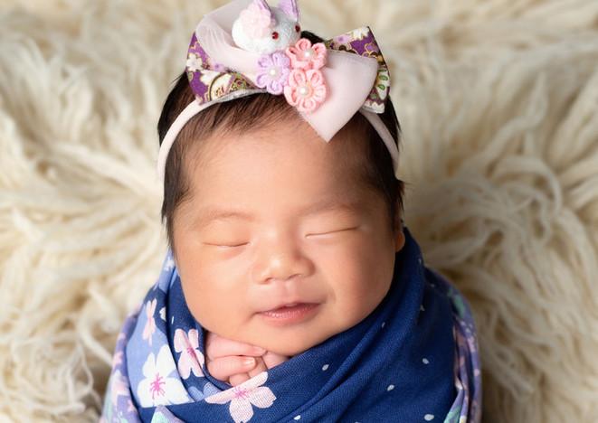 Liora Newborn 07.jpg