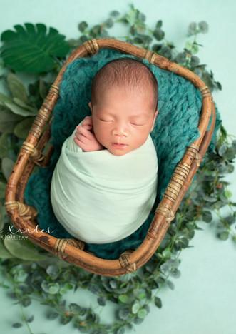 Xander Newborn 15.jpg