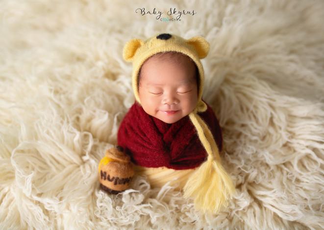 Skyrus Newborn 14.jpg