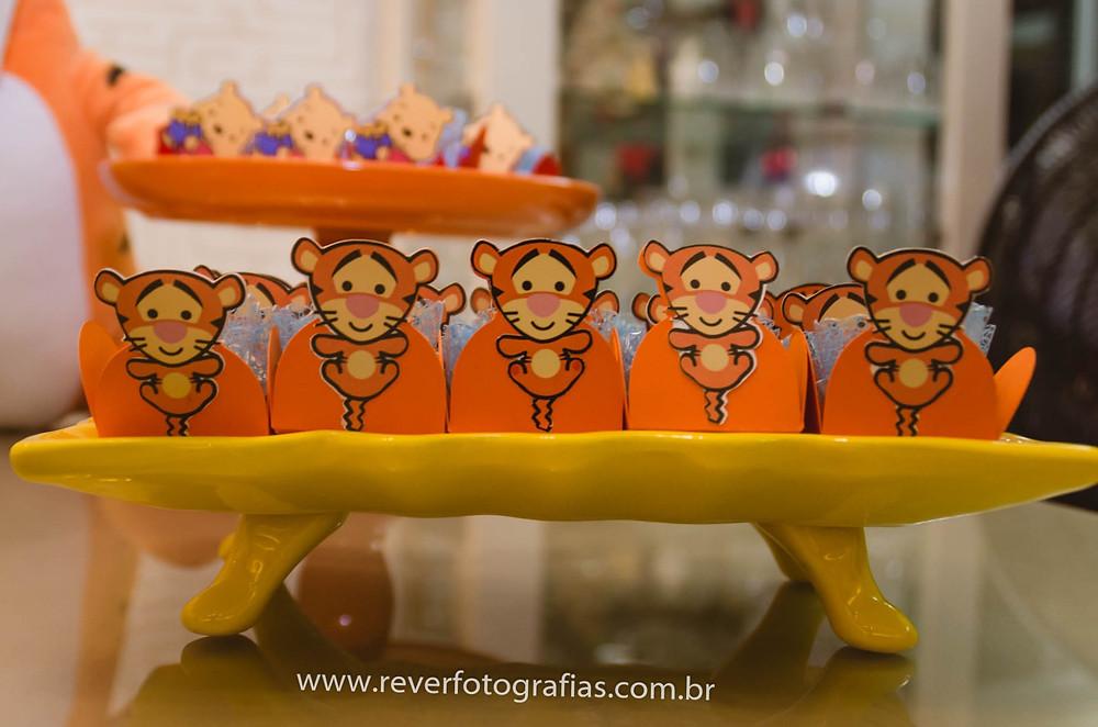 doces de festa infantil decorados com tema do tigrão