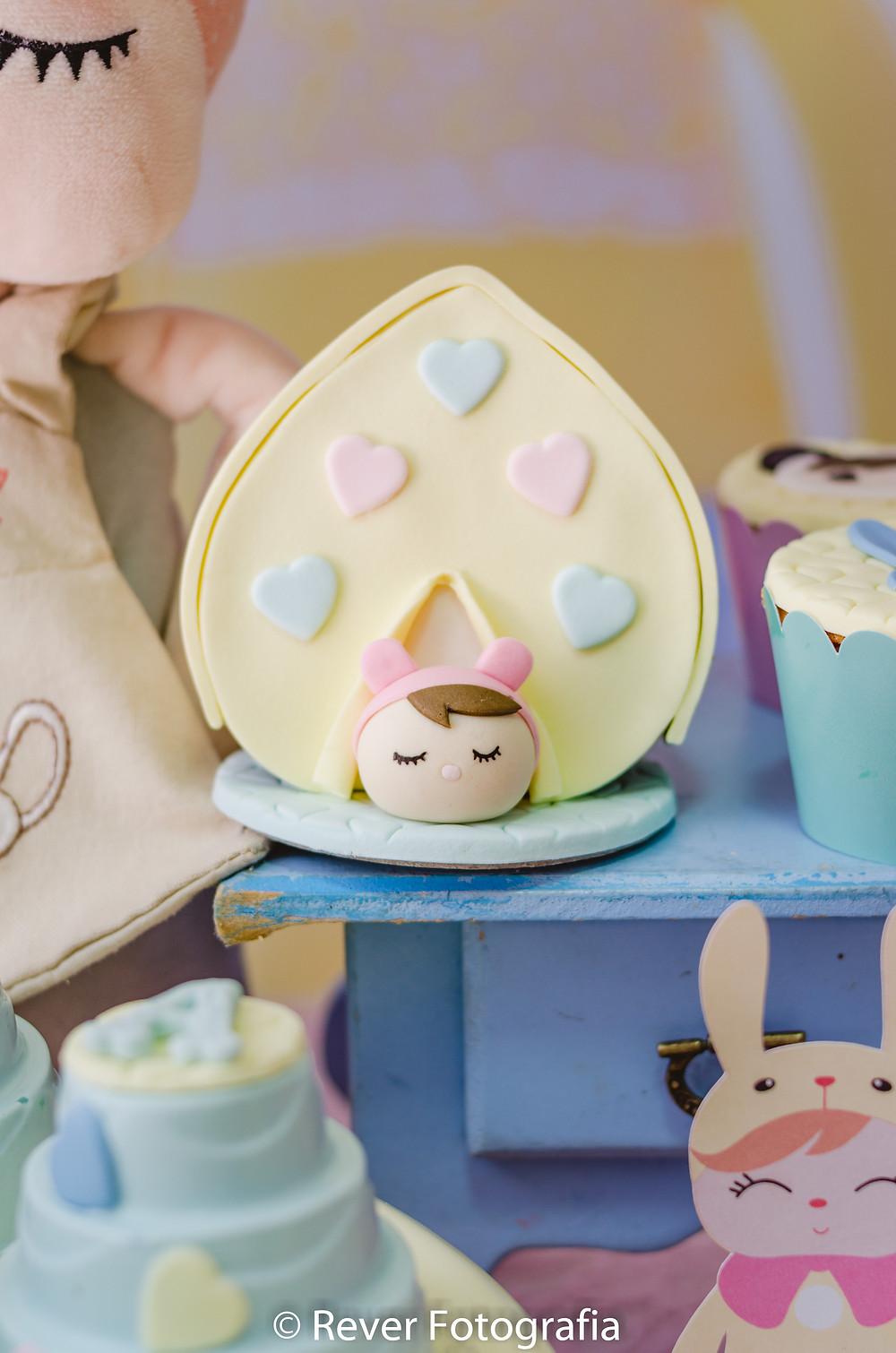 fotografia de festa infantil: doce decorado com tema da me too