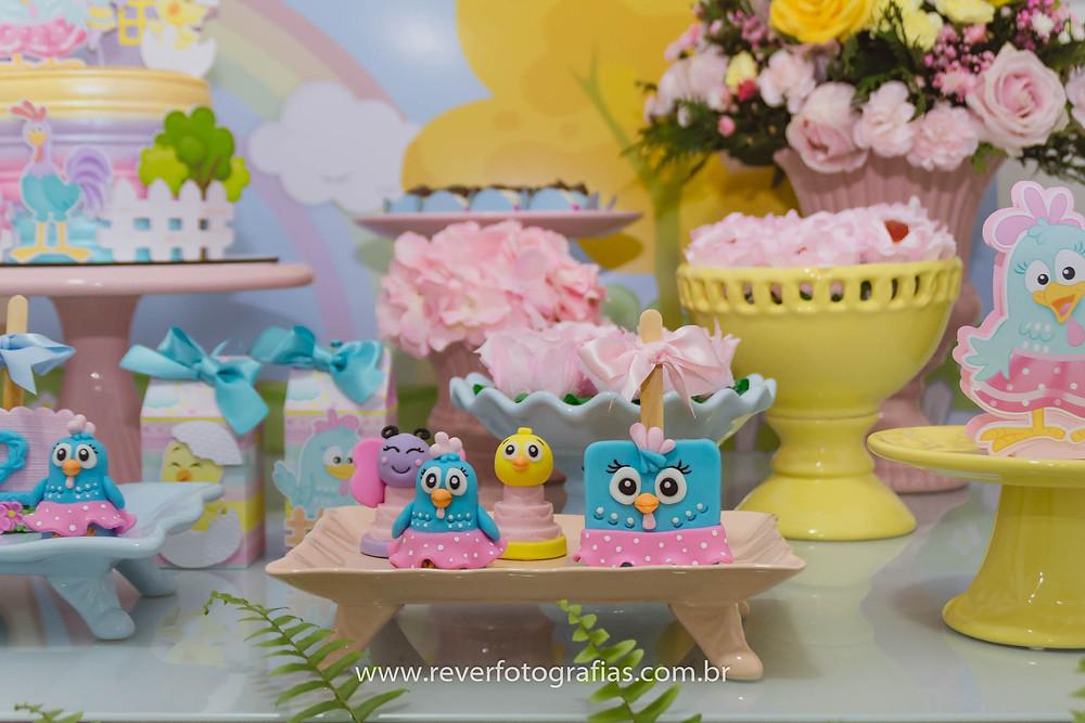 doces personalizados personagens galinha pintadinha menina