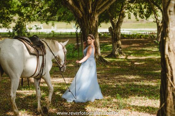ensaio_rever_fotografia_princesa_sergipe_debutante_aracaju_15_anos_cavalo_branco.jpg