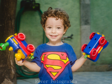 Por que Ter Poucos Brinquedos é Melhor para Seu Bebê?