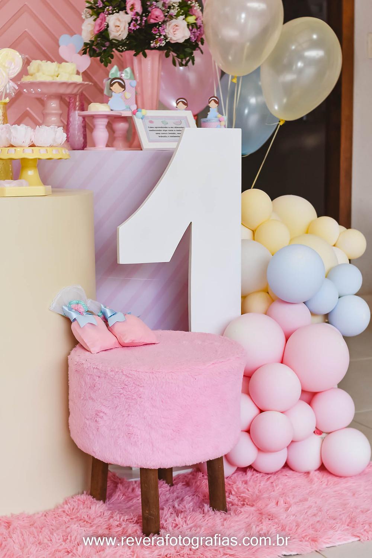 fotografia de decoração de aniversario de 1 ano de menina cores pasteis em aracaju
