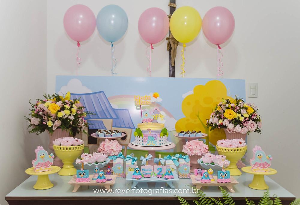 decoração de festa de aniversário infantil minimalista