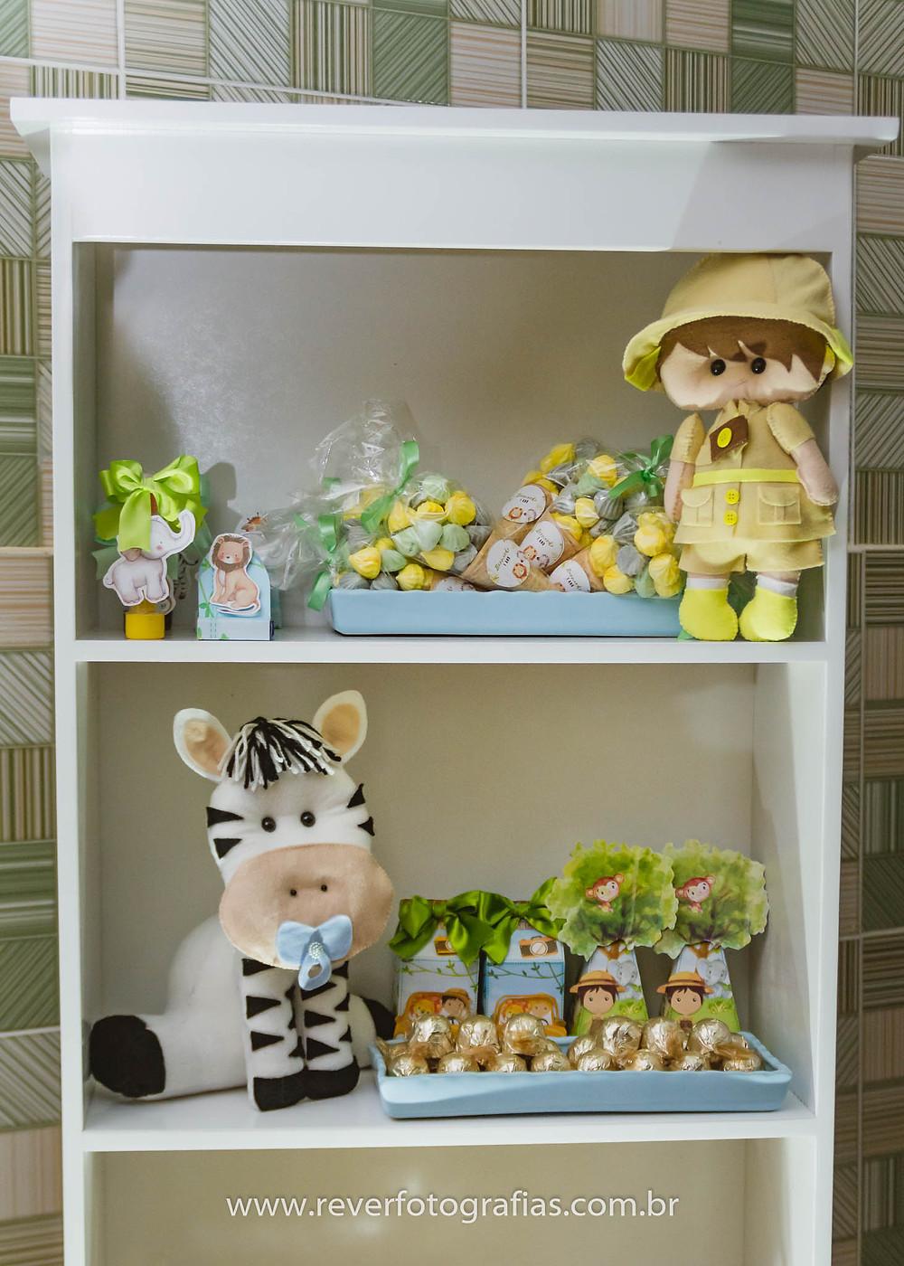 decoração de festa infantil com tema safari