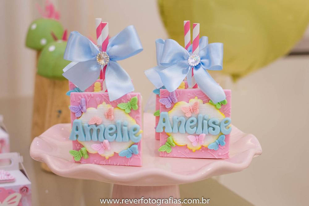 fotografia de pirulitos decorados tema borboletas