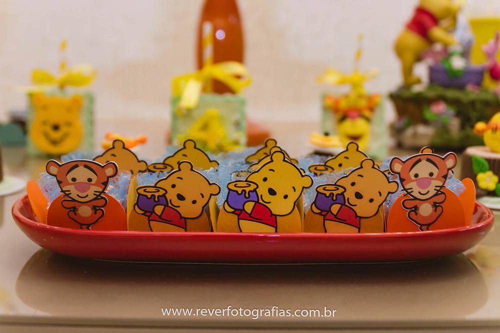 doces de festa infantil decorados com tema do urso pooh