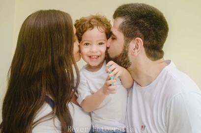 fotografia_retrato_familia_aracaju_rever_fotografias_mae_bebe_pai.jpg