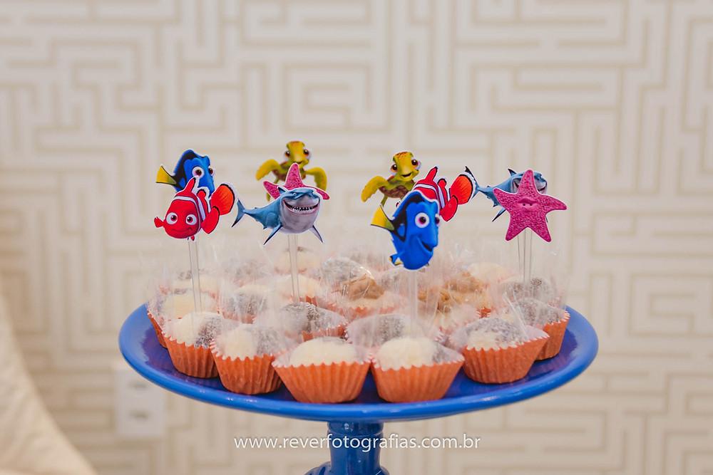 foto de doces com tema do procurando nemo