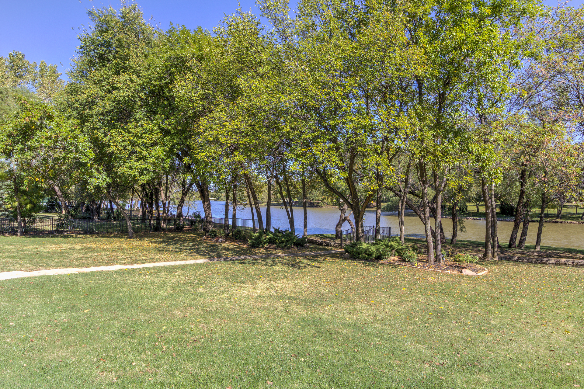 18800_otter_creek_dr_lake view